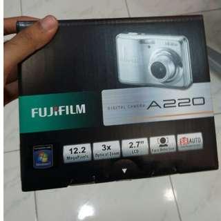 FUJIFILM Digitial Camera A220 (CHEAP)