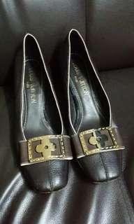 LV shoes size 36