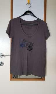 Initial T shirt (包郵)
