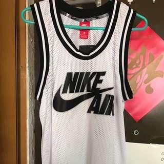 全新未剪版Nike Air 波衫