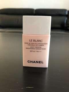 Chanel light creator brightening makeup base