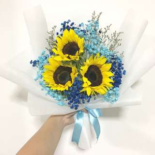 3 Sunflowers with Baby Breath and Caspia / Graduation Bouquet