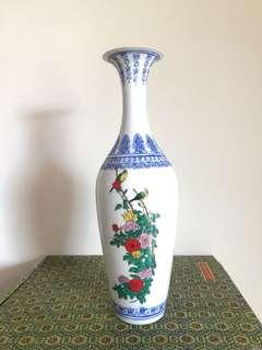 Eggshells vase