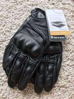 Motorcycle leather riding gloves