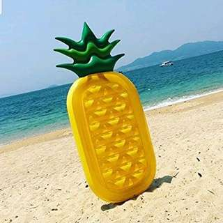 Inflatable Pineapple Pool Float with Small Pump