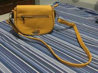 Allyssa sling bag
