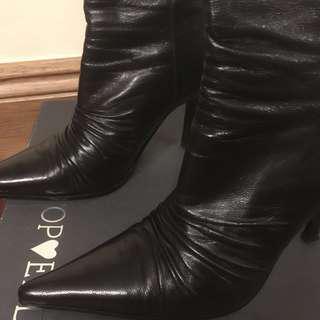 Vintage black leather kitten heels