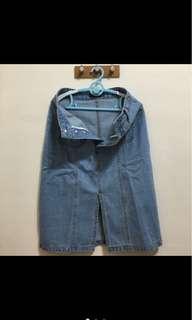 🚚 Ajpeace排扣口袋開岔牛仔裙(淺藍)