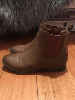 Brown flat boots