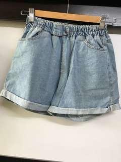 牛仔 鬆緊 短褲(size :L)