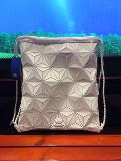 LAST UNIT!! FREE POSTAGE + FREE GIFT! Adidas 3D Gymsack Bag | WHITE LTD