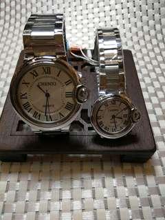 對裝石英電子手錶