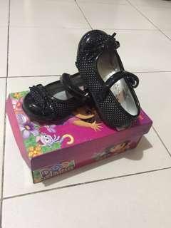 Dora Black Shoes Size 22