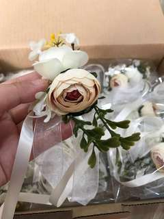 [PREORDER OPEN] Bridesmaid wrist corsages wedding essential photo poses once a lifetime decoration ROM rose flowers various Colours for selection