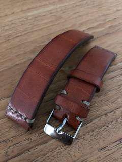 🚚 Handcrafted 20mm Vintage Style Watch Strap