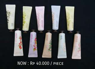 THE FACE SHOP Daily Perfumed Hand Cream Flower