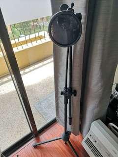 Unused mic stand
