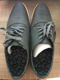 Sepatu Foot-in