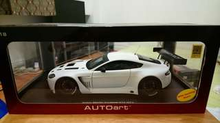Autoart Aston Martin Diecast