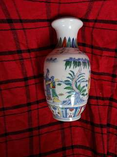 Ming era Chenghua mark Douchai color painted vase 26cm H.