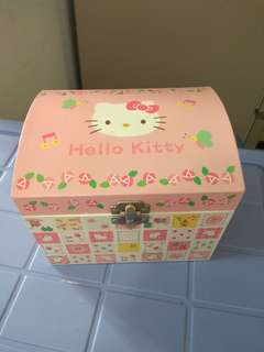正版珍藏 Hello Kitty 儲物箱 音樂盒
