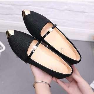 Balck flat shoe