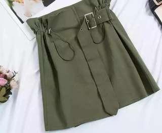 墨綠半腰裙