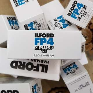120mm Ilford FP4 Plus 125 Black and White Medium Format Fresh Film ( ISO 125 ) ! Exp Nov 2021   !
