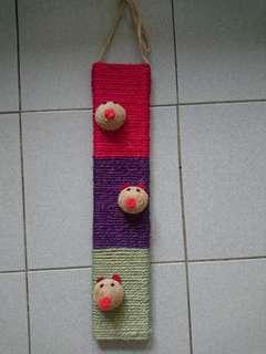 🚚 【二手】三隻小豬貓抓板