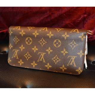 Brand new limited edition  New price around 9k or more  Detail pls check Louis Vuitton website.Pls call 52738593  Or can trade it in LV shop  Full set with box  CARD HOLDER BRAND NEW 1100 HKD  PLS CALL 60218425 IF INTERESTED