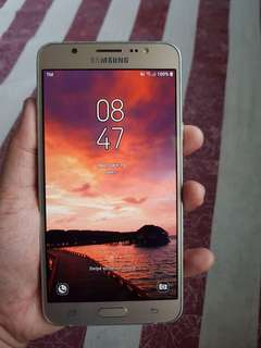 Samsung J7 2016 For sale.