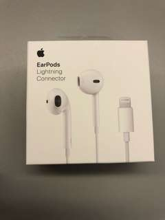 (全新)Apple EarPods w/ Lightning Connector