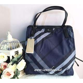 Burberry Buckleigh Nylon Tote-Navy Blue