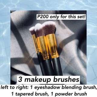 3 makeup brushes set