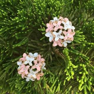 🚚 森林少女 耳針式耳環 飾品批發價 繡球花 琺瑯 婚宴
