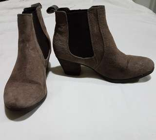 Hush puppies brown ankle boots