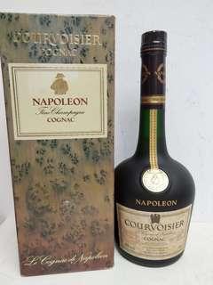 Courvoisier Napoleon Cognac 拿破倫沙樽干邑 700ml