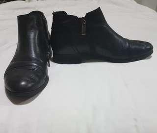 Midas black ankle zip boots