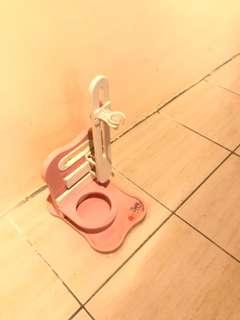 🚚 狗貓通用食品和飲水架,付碗(可調髙低)