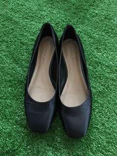 Charles & Keith flatshoes