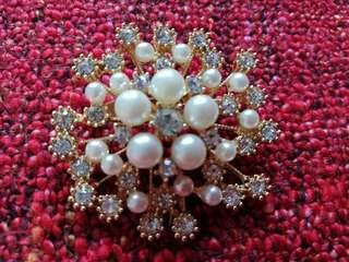 Austrian Crystal Snowflake Pearl Brooch