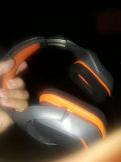 Headset Gaming super keren..bass powerfull