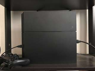 Playstation 4 with 9 games ( PS4 )