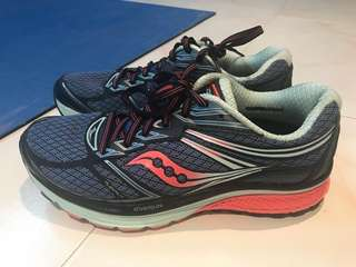 Saucony Running Shoes US 7