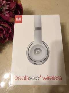 Beats solo3 wireless耳罩式藍芽無線耳機(全新品)銀色