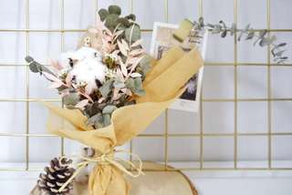 Dried and Preserved flowers with fluffy White Cotton flowers bouquet