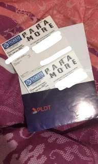 2 PARAMORE TICKETS