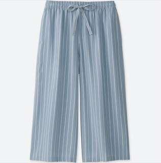 UNIQLO Women Relaco 3/4 Shorts