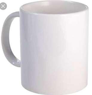 Mug with customized layout