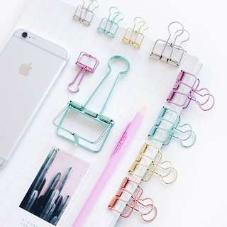 🚚 [PO] metallic, hollow binder clips